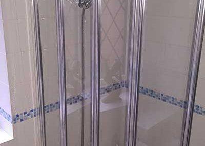 4 Fold bath screen installation
